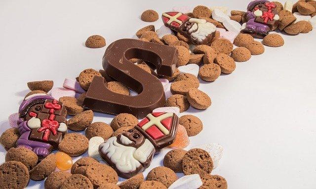 Chocoladeletter en pepernoten