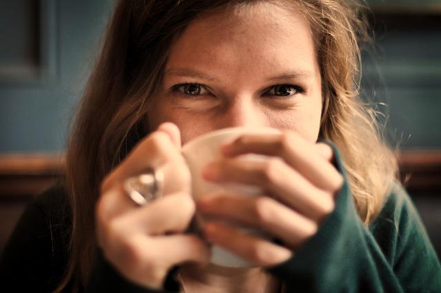 Meisje met thee