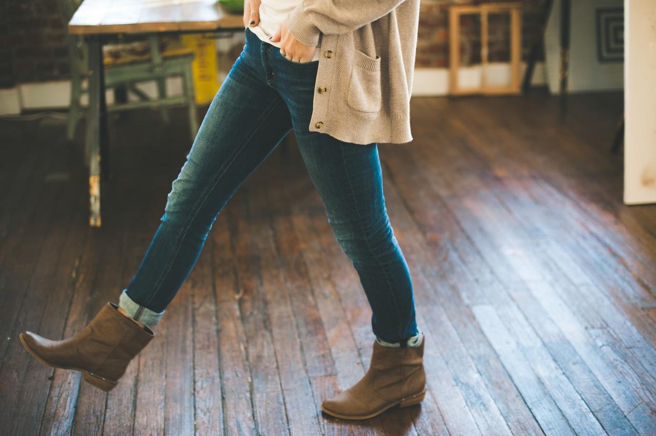 vrouw in fashion kleding