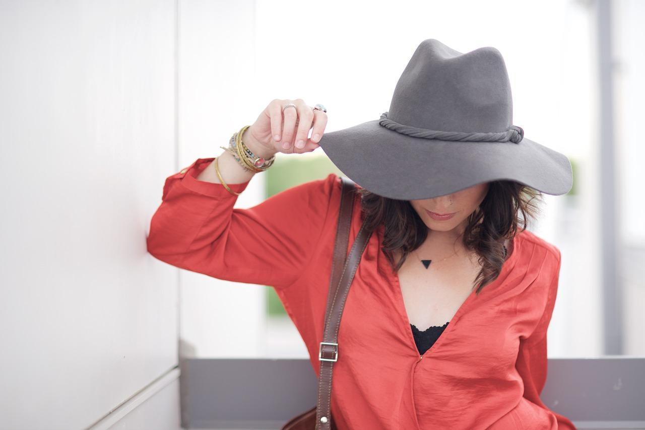 Vrouw met hoed