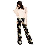 Pak 70% korting op een broek met bloemenprint bij Guess