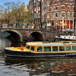 Een ticket voor de hop on hop off boot in Amsterdam scoor je met 30% korting via ActievandeDag